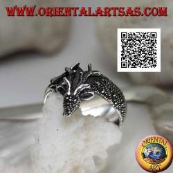Bague en argent en forme de cerf royal parsemé de marcassite