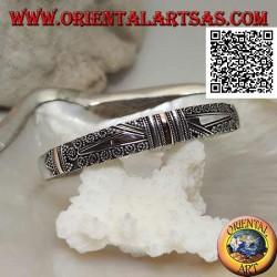 Bracciale in argento con 3 placchette in oro 14 carati e decorazione etnica e 2 trapezi lisci