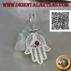 Pendentif Main de Fatima en argent à décor ethnique perforé et parure zircon rubis