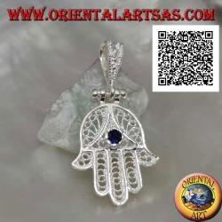 Ciondolo in argento mano di Fatima a decorazione etnica traforata e zircone color zaffiro incastonato