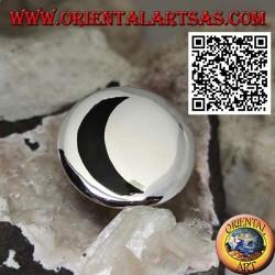 Bague en argent avec lune onyx creuse sur grande plaque ronde lisse