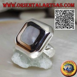Silver ring with rounded square mother of pearl on thick square smooth plate