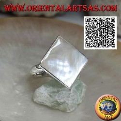 Silver ring with equilateral rhombus mother-of-pearl set with smooth edge