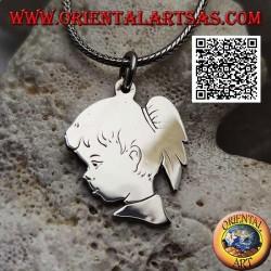 Ciondolo in argento a forma di profilo di una bambina con coda inciso su entrambi i lati