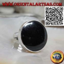 Silberring mit großem rundem Onyx, besetzt mit glatter Kante