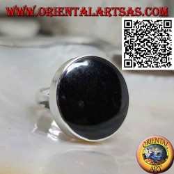 Silver ring with large round onyx set with smooth edge