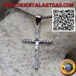 Glatter lateinischer Kreuz Silberanhänger mit Zirkonen an den Spitzen