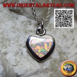 Ciondolo in argento a forma di cuore con opale arlecchino a filo bordo liscio