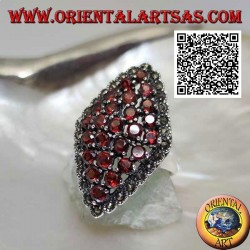 Silver ring in the shape of a rhombus composed of round garnets set and a marcasite frame