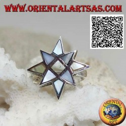 Silver ring in the shape of a wind rose with multicolor mother of pearl with smooth edge