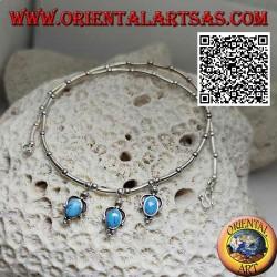 Collana in argento 925 ‰ a girocollo, tubicini e palline infilati con 3 turchesi ovali pendenti