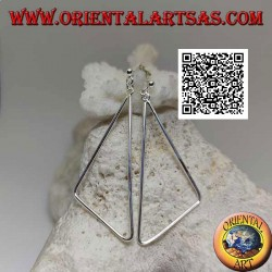 Silver lobe earrings with pendant obtuse triangle wire