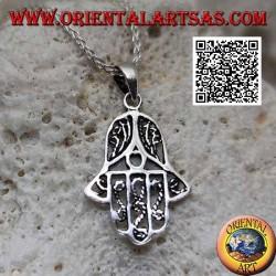 Pendentif main de Fatima en argent avec fines décorations internes perforées