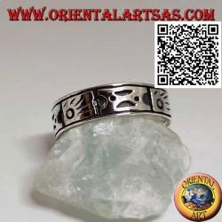 Anello in argento a fedina lavorata con simboli aborigeni incisi