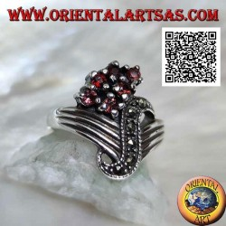 V-shaped silver ring with central marcasite wave and 6 round garnets set