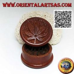 Moulin à tabac en bois d'acajou avec feuille de cannabis sculptée, 5 cm Ø