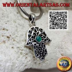 Ciondolo in argento mano di Fatima a decorazione etnica traforata e malachite tonda centrale