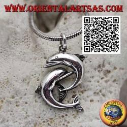 Silberanhänger, ein paar Delfine springen untereinander
