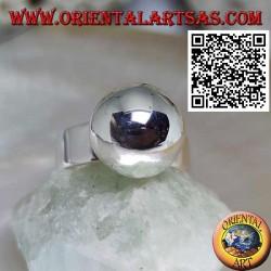 Anello in argento a fascia liscia con sfera grande liscia
