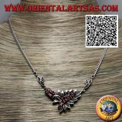 Collana in argento 925 ‰ girocollo a catena con 21 granati tondi naturali e foglie con marcassite