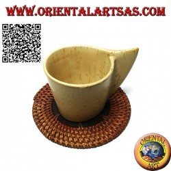 Round coaster in rolled wicker and 10 cm teak wood center (dark)