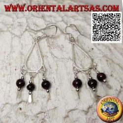 Drop earrings in silver with 3 hanging garnet balls