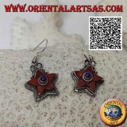 Boucles d'oreilles en argent avec étoile de corail naturel antique et lapis-lazuli central entouré de tissage
