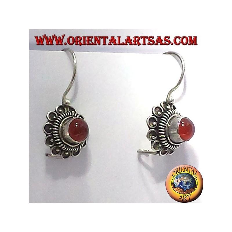orecchino fiorellino con corniola, in argento