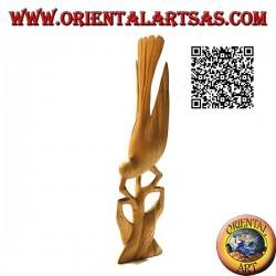 Scultura di un fagiano su un ramo con i suoi piccoli in legno di ibisco da 22 cm
