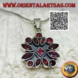 Silver pendant with square flower of 14 faceted garnets of various shapes