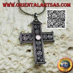 Ciondolo in argento croce latina con ametista tonda centrale e decorazione a S di spirali