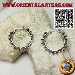 Silver circle earrings with lever closure and trio of 22 mm balls