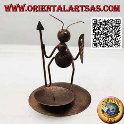 Portavelas de hierro forjado, hormiga guerrera con lanza y escudo