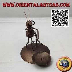 Portacandele in ferro battuto, formica pescatrice con la rete