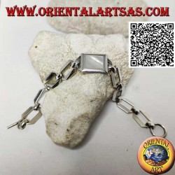 Silver chain bracelet with squared rings with rectangular mother of pearl with smooth edge