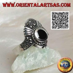 Crown silver ring studded with marcasite with round onyx and V-shaped decoration
