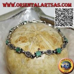 Bracelets en argent sertis de 8 émeraudes rondes naturelles alternant avec des gouttes de marcassite