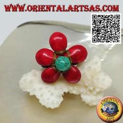 Anello regolabile a fiore in pasta di corallo e centro turchese in ottone dorato rivestito (macramè)