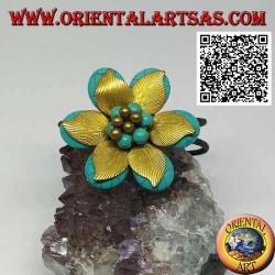 Bracelet fleur rigide ajustable en pâte turquoise et feuilles en laiton doré (macramé)