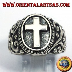 Cross ring in silver