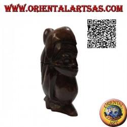 Шкатулка в виде руки присевшего аборигена, вырезанная из цельного куска дерева Суар (Ломбок).