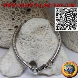 Серебряный браслет 700 ‰ с классическим звеном «змейка» размером 23 см х 5 мм.