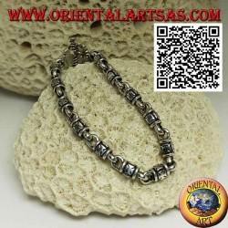 Мягкий серебряный браслет-цилиндр с тиснеными мальтийскими крестами и Т-образной застежкой