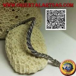 Серебряный браслет в индонезийском кручении в виде змеи с змеевидным крючком 21,5 x 6 мм