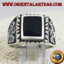 anillo de plata de los hombres con la ronda de ónix