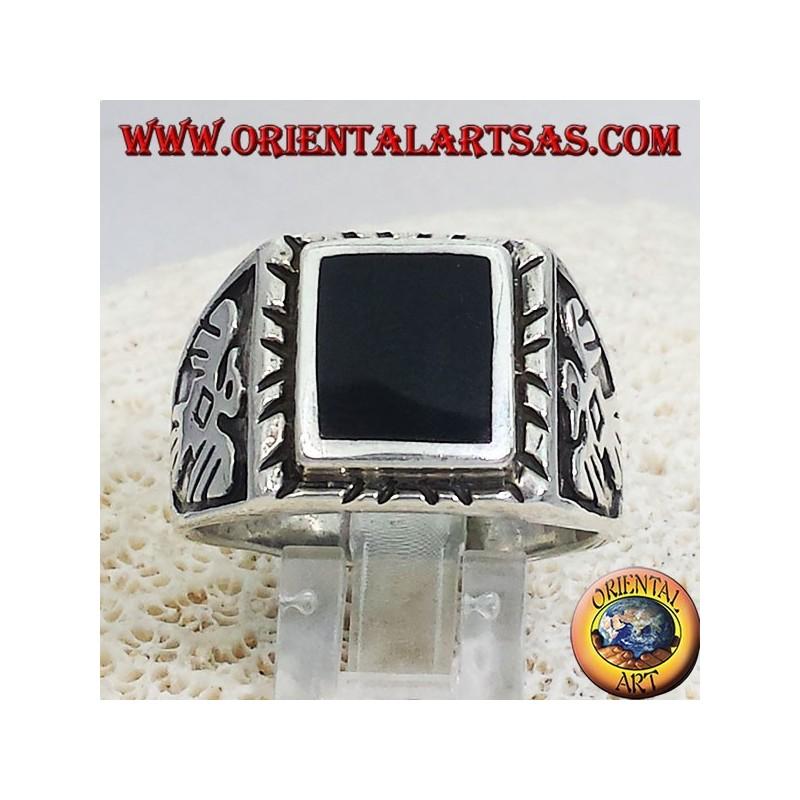 anello in argento con onice quadrata ed aquile