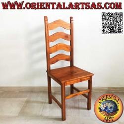 Stuhl mit hoher Rückenlehne...