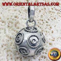 pendant (recall the angels) called silver angels diameter 16mm.