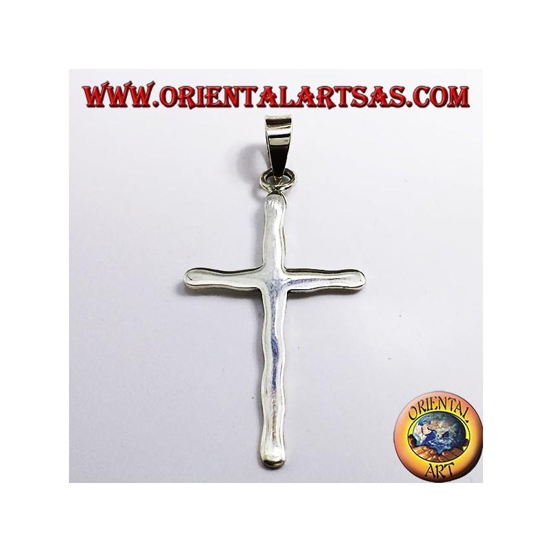 ciondolo croce martellata in argento