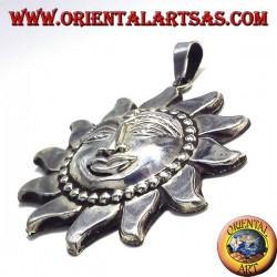 sol colgante de plata más grande de Nepal